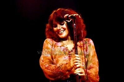 Linda Ronstadt Photo 8x12 or 8x10 inch Vintage '70s Concert Kansas City, MO D9