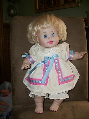 """17"""" TYCO 1996 REPRO BETSY WETSY DOLL SOFT BODY ORIGINAL OUTFIT"""