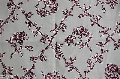 """Pierre Deux Les Oeillets fabric in plum made in France remnant 19"""" x 24"""" country"""