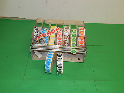 Wall mount label dispenser day of the week labels 7 rows