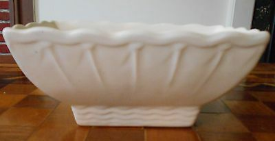 """Brush McCoy #811 Pink and White Planter, 4-1/4"""" tall, 8"""" long, 4-1/4"""" wide"""