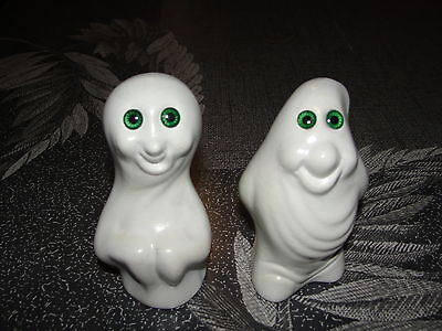 """2 - 4"""" Smiling Ceramic Halloween Ghosts with Green Eyes"""