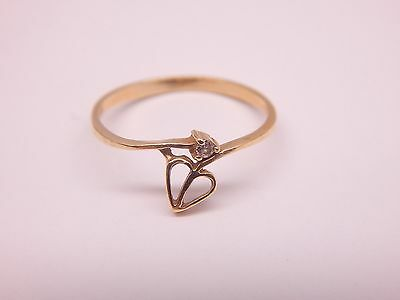 Pretty 10k Solid Yellow Gold Flower Heart Ring w/ diamond accent Size 6