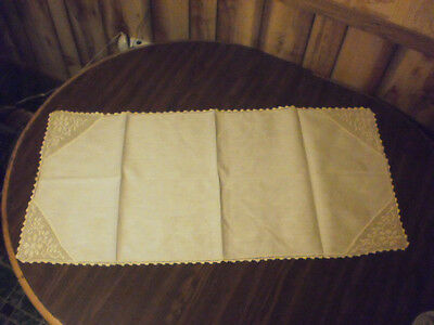 """Vintage Table Runner Doily Doliie Lace Linen Floral Cream Off White 40 x 18"""""""