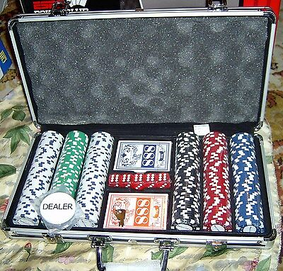 300 Count Professional Casino Pro Poker CLAY Poker Chip Set w Case