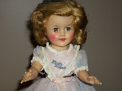 """VINTAGE IDEAL SHIRLEY TEMPLE VINYL 1957 DOLL IN EXCELLENT CONDITION 15"""""""