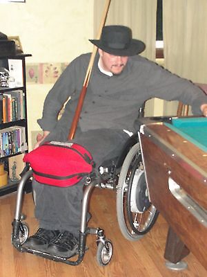 Kneebilizer for people who use wheelchair.