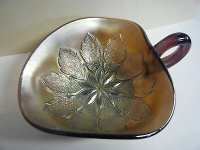 VINTAGE DUGAN NAPPY DISH LEAF RAYS PURPLE AMETHIST IRRIDESCENT CARNIVAL GLASS