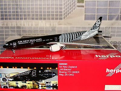 Herpa Wings 200 Air New Zealand B777 -300ER All Black 1/200 **Free S&H**