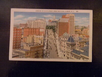 Unused . Linen Postcard . Albany, NY . Looking Up State St From the Plaza  185