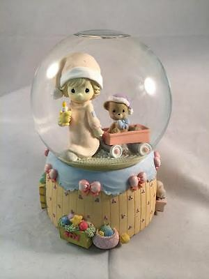 "Precious Moments Waterball Snow Globe ""we Wish You A Merry"