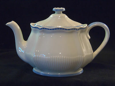 ROYAL DOULTON THE DURHAM BLUE & WHITE VINTAGE TEAPOT