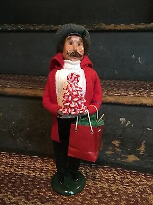 Byers Choice Carolers-2014 Man Shopper (red)