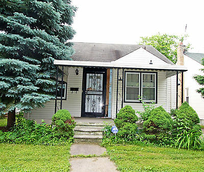BUY THIS HOME NOW; Great Investment 3 bed 1 bath home, 636 sqft NO RESERVE
