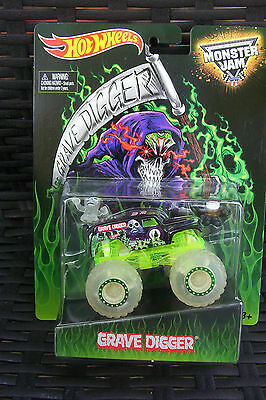 2014 Hot Wheels Monster Jam GRAVE DIGGER LIMITED EDITION GLOW IN DARK EXCLUSIVE