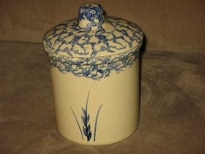 ROBINSON RANSBOTTOM  1 QT STONEWARE POTTERY CANISTER W/LID BLUE WHEAT HIGH JAR