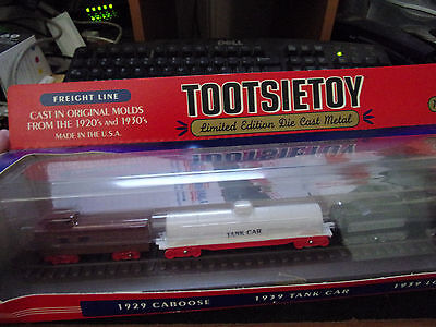 vintage TOOTSIETOY FREIGHT LINE NAVAL CONVOY CRUISER CABOOSE TANK LOCO TANKER