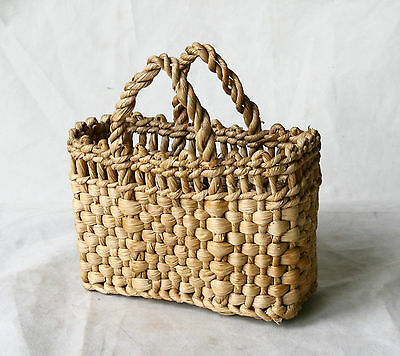 ANTIQUE VINTAGE 1950`s Hand Made OLD SMALL CORN BASKET