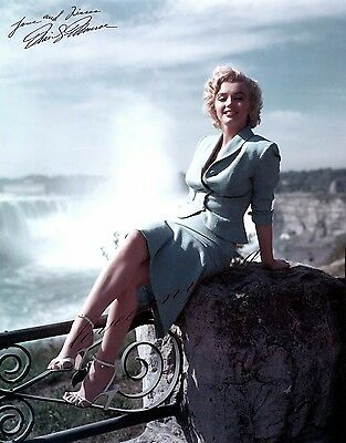 """Marilyn Monroe. 8""""X10"""" GLOSSY PHOTO PICTURE IMAGE  Celebrity. M19"""
