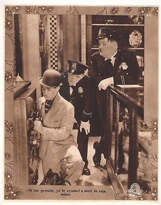 F10417 THE FIXER UPPERS STAN LAUREL OLIVER HARDY MGM Lobby Card Spain C