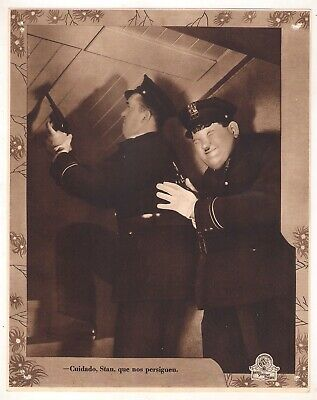 F10418 THE FIXER UPPERS STAN LAUREL OLIVER HARDY MGM Lobby Card Spain D