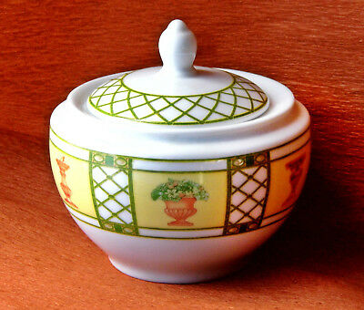 Bonbonnière porcelaine blanc vert jaune WEDGWOOD 1996 covered trinket bowl