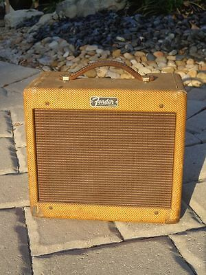 1962 Fender Tweed Champ Amp a real clean little keeper...
