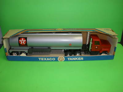 """TEXACO TANKER TRUCK Pressed Steel / ANTIQUE 1980's / 1/27th 20"""" / Red Cab NEW"""