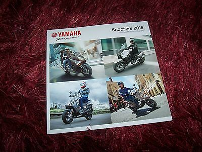 Catalogue /   Brochure YAMAHA Gamme / Full line Scooters 2015 //