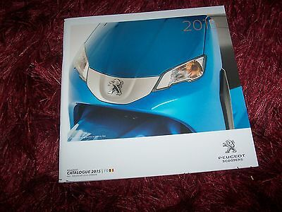 Catalogue /   Brochure PEUGEOT Scooters  Gamme / Full line 2015 //