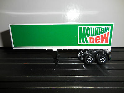 AUTO WORLD ~ Mountain DEW Racing Rig Trailer ~ ALSO FITS AFX, AW, JL