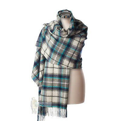Edinburgh - Luxurious, Soft & Warm 100% Lambswool Stole - Dover Grey Check