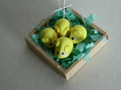(F1) Dolls House Cakes :handmade Yellow Mice In A Wooden Box