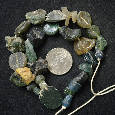 Ancient Roman Glass Beads 1 Medium Strand Black And Green  100 -200 Bc 127