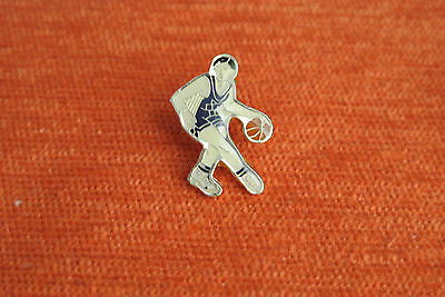 07617 Pin's Pins Basket Basketball Basketteur