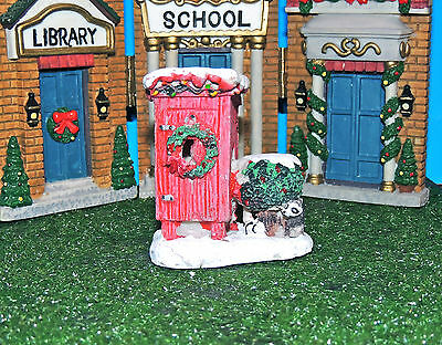 Christmas Outhouse + Racoon In The Bush 1:24 (G) Scale Diorama