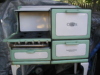 1930 crown gas stove