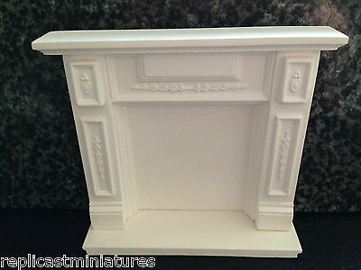 MN03/04a Panelled Fire Surround & Hearth Plaster RepliCast Miniatures DollsHouse