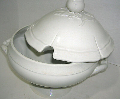 Williams Sonoma Antique White Serving Soup Tureen With Lid Brand New