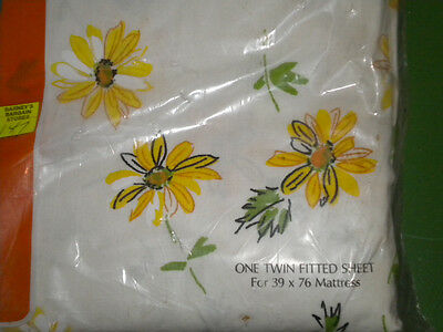 Vtg Dan River All Cotton Fine Muslin Twin Fitted Sheet Yellow White Floral NIP
