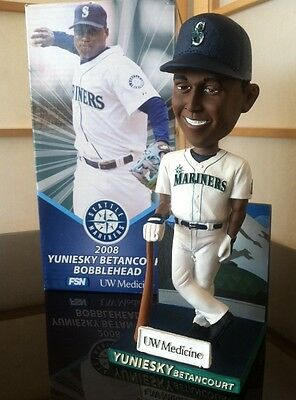 NEW Seattle Mariners Yuniesky Betancourt 2008 Bobblehead SGA Milwaukee Brewers