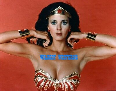 LYNDA CARTER Sexy Busty Photo CLEAVAGE Wonder Woman BARE ARMPIT Rare Underarms