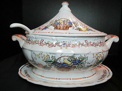 COVERED SOUP TUREEN HAND PAINTED BASKET OF FRUIT LABEL WITH LADLE JAPAN
