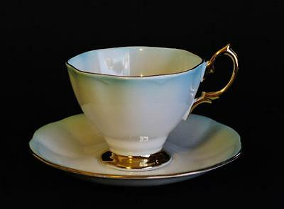 a cup of tea by katherine One theme in katherine mansfield's a cup of tea is how the aristocracy treat other people another theme is how the aristocracy, despite their wealth, are insecure and often project onto others the.