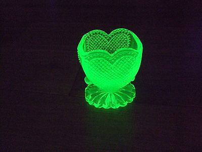 #40 REALLY NICE VASELINE/YELLOW CUT GLASS HEART SHAPED TOOTHPICK HOLDER