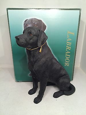 Best of Breed Sitting Black Labrador Figurine Ornament BRAND NEW BOXED