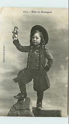 29* Finistere - Folklore - Costumes                     Ma43-1004
