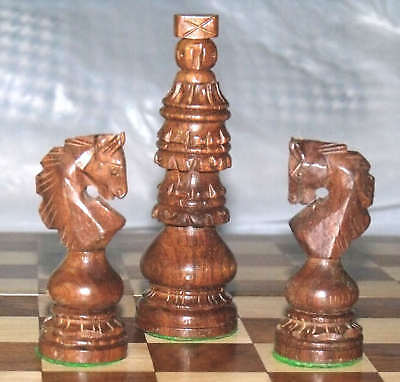 Chess Set 34 Wooden Chess Pcs Holy Chruch Design 4 Queens Collectible Craft Work