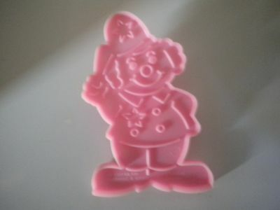 Wilton 1990 Plastic Pink Policeman Clown Cookie Cutter with Handle