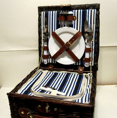 Woven Willow Square Shaped 2 Person Picnic Basket Set with Insulated Cooler